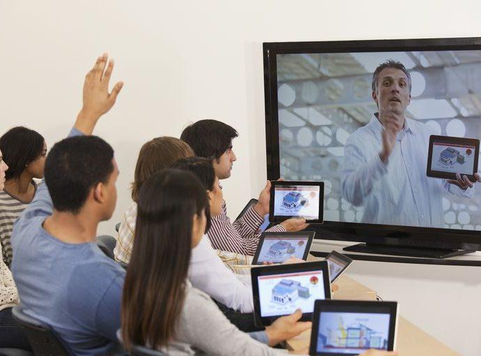 Pros of teaching English online